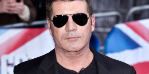 Simon Cowell hynotised by dog